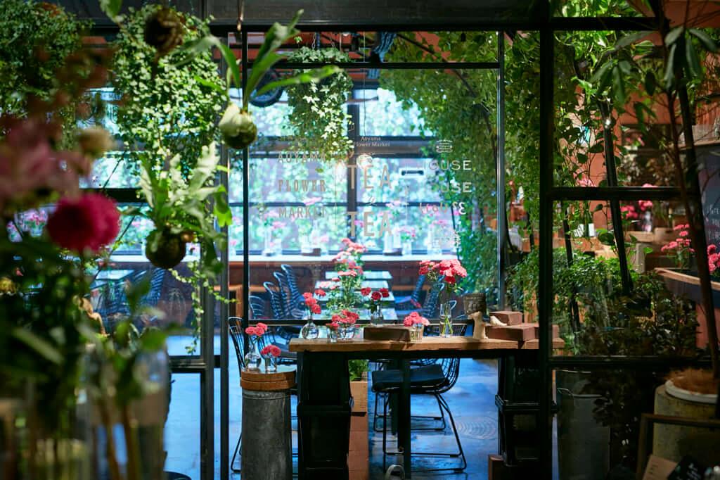 This Tokyo Plant Shop Hides A Beautiful Tea Room Pen ペン
